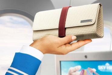 Jan Taminiau designs new KLM comfort bag